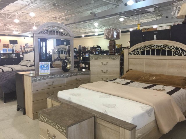 FurnitureMart17.pic