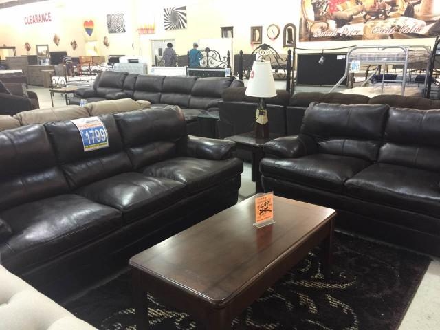 FurnitureMart21.pic