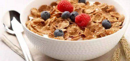 我们逛超市时经常能见到一整个货架的早餐麦片,各种形状和口味令我们眼花缭乱,但其实你清楚它们都是什么吗?