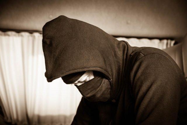 手机用户们被黑客盯上了,这里教你几招防御措施