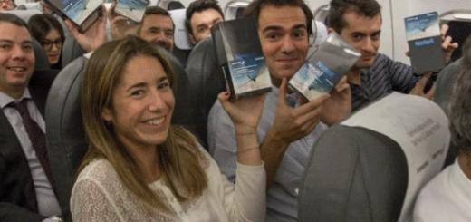 """三星为洗""""炸机""""名 飞机上200名乘客获赠Note8"""