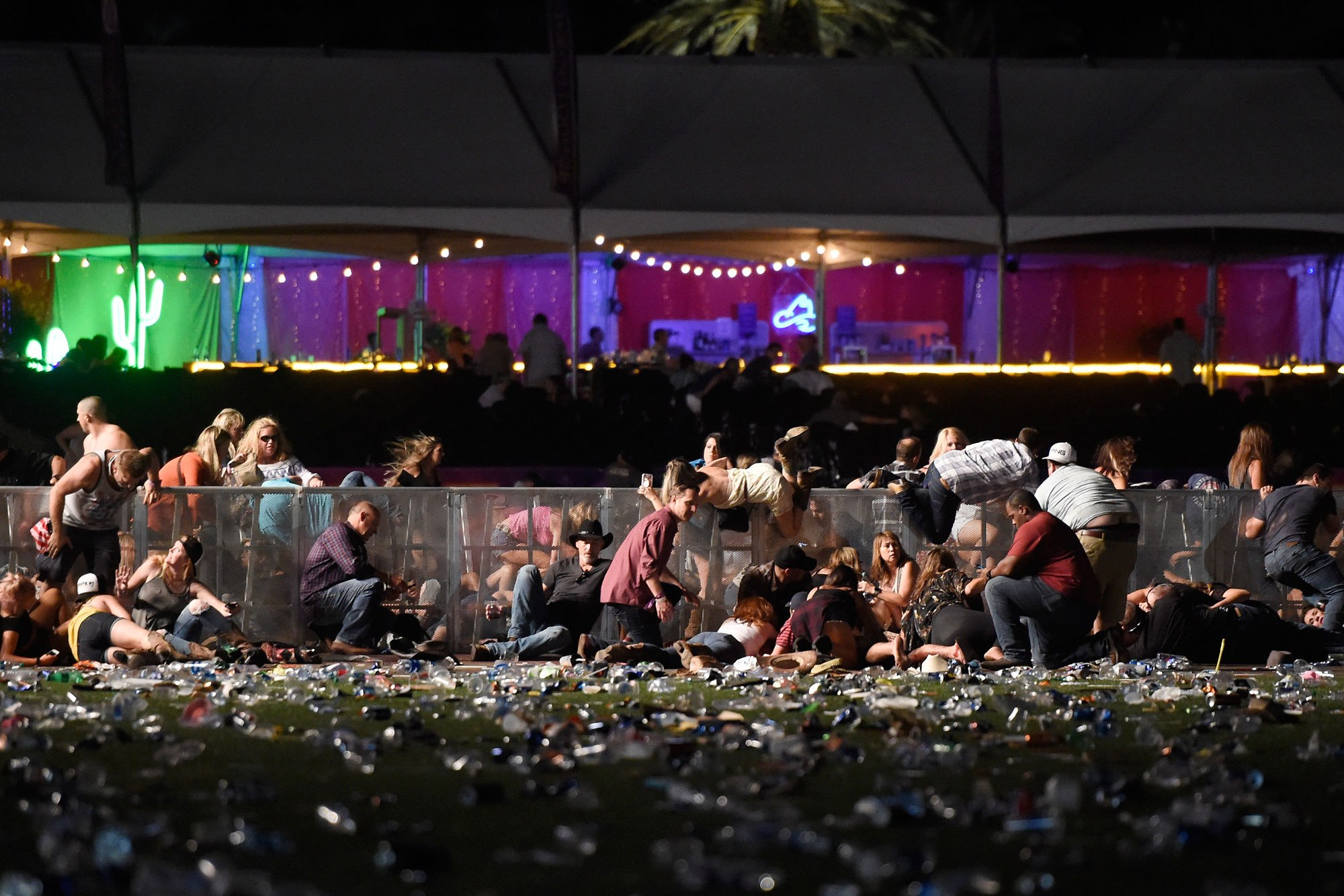 50人死亡!Vegas枪手39楼扫射,血洗佐治亚乡村歌手演唱会现场!