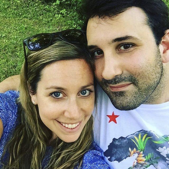 妹子在约会软件上认识了一个男盆友……没想到,他们之间命中注定的缘分,早在25年之前就已经开始了……