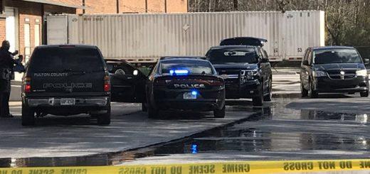 亚城一公司内部发生枪击案,事发后枪手发生交通事故