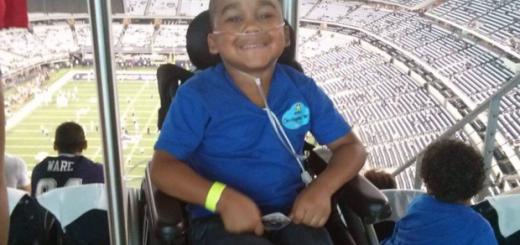 德州一母亲「诈病」,导致无辜的8岁儿子莫名接受13次重大手术