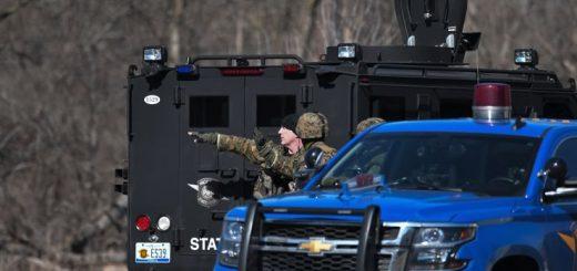 中密歇根大学发生枪击致2死 枪手全副武装在逃中!