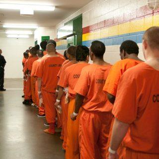 美国监狱大闹乌龙 释放终身监禁犯人