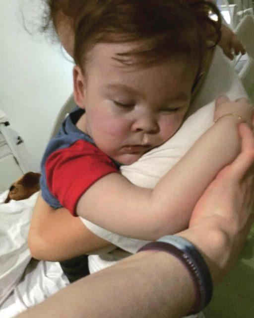热议 | 不顾父母反对 医院、法院决定停用生命维持设备 男娃的多舛命运 牵动全球亿万人的心