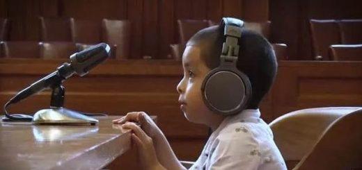 1岁男孩独自在美国移民法庭受审,嚎啕大哭让法官手足无措
