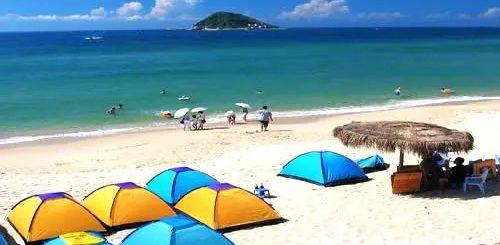 两华裔游客命丧美国海滩 ,前一秒还在拍照,后一秒就被海浪卷走