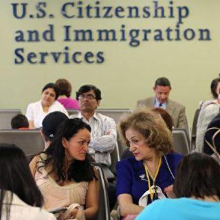 外国人申请在美工作 有五条途径可选