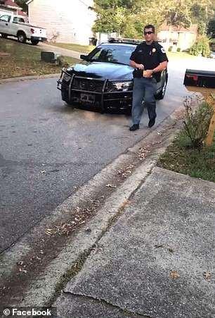 佐治亚非裔男子车载2名白人孩童 遭白人妇女打911举报
