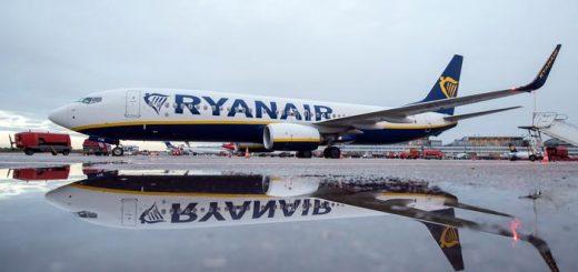 """6机师和空姐""""睡一起"""" 航空公司大怒"""