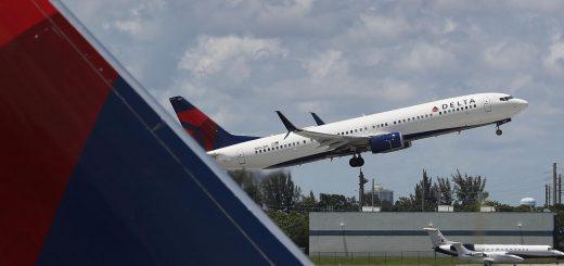 Delta乘客被迫在排泄物座位与放弃班机之间抉择