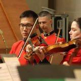 4岁踏上音乐路!华裔小提琴手王光宇,登老布什国葬演奏