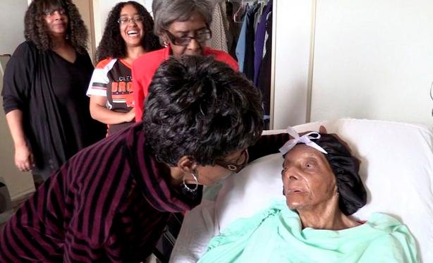 美国最长寿老人去世:享年114岁 每天吃地瓜
