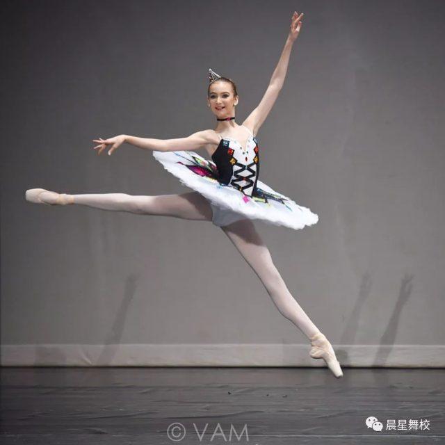 献给晨星舞蹈学校建校十五周年的开门大礼