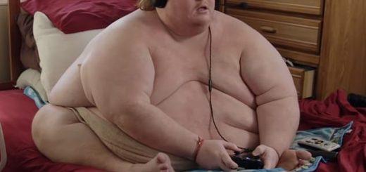 佐治亚州男子重640斤整日 赤身裸体打游戏 还上了电视节目