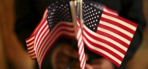 """11岁佛州男孩被捕 只因拒绝向""""种族歧视""""的国旗宣誓"""