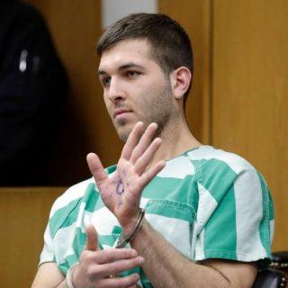 他涉嫌诱杀纽约黑手党头目 上庭时摊开手心全场惊呆…