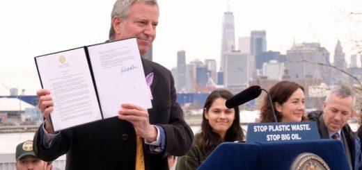 纽约市长签禁令 限制市府部门购买一次性塑料餐具