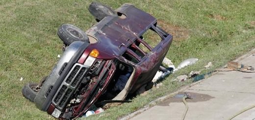 好惊险!亚城的司机们学起来,可能会保你一命!