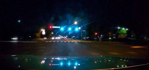 奇观!流星划过美东海岸12州夜空泛绿光