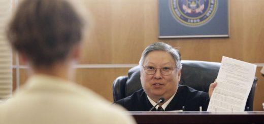 公开批评特朗普 犹他华裔法官被停职六个月