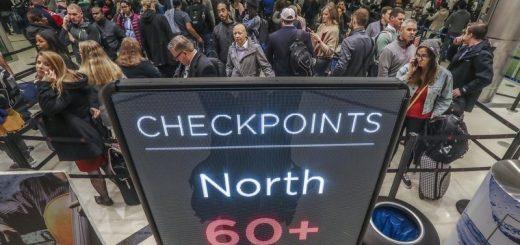 """机场安检时别忘了你的零钱!去年旅客贡献""""小费""""近100万美元"""