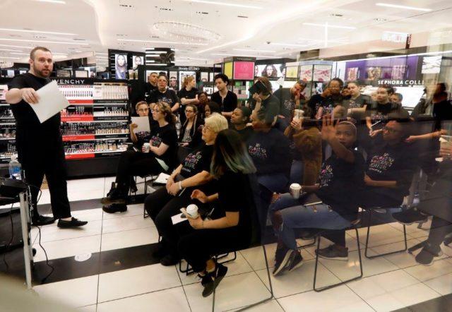 Sephora全国关店做种族包容培训 但这么做一定好吗?