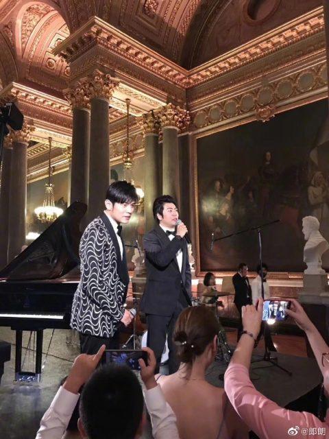郎朗宣布与小自己12岁的德韩混血钢琴家结婚 新娘子美翻了!