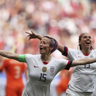 美国两球力克荷兰 四夺女足世界杯冠军