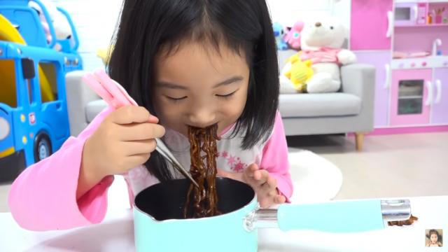坐拥3000万粉丝 韩国6岁YouTuber购800万美元江南豪宅