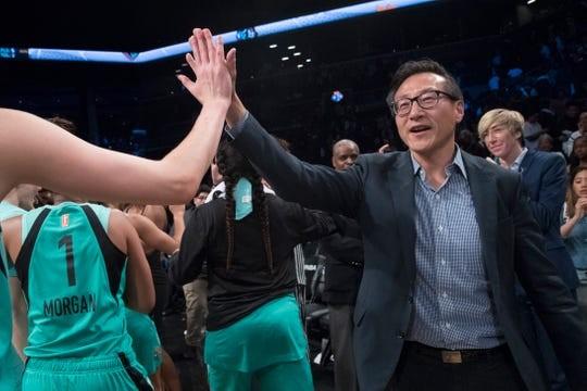 蔡崇信创纪录亿买下NBA篮网队和巴克莱中心