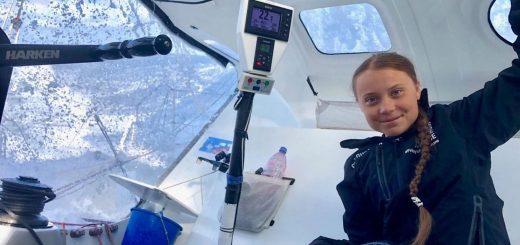 为零排放 16岁气候活动家乘帆船横穿大西洋抵达纽约
