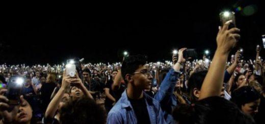 亚城高中生被捕 美国各地枪击案接连发生 又一轮控枪大战 到底理在哪儿 ?