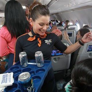 """""""要茶还是咖啡""""前想好了!这家美国航空公司饮用水最脏……"""
