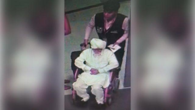 32岁印度小伙扮81岁白发翁飞纽约 只因这个小细节暴露伪装(图)