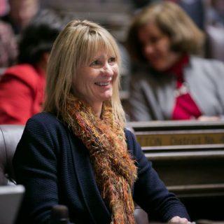 华州民主党议员提出:允许重罪犯参与投票