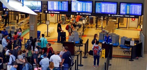 萬萬想不到!機場安檢時這些尋常小動作已經讓TSA盯上你