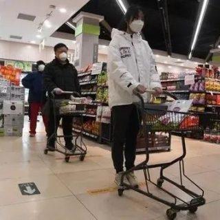 最新研究:新冠病毒1分钟扩散整个超市通道