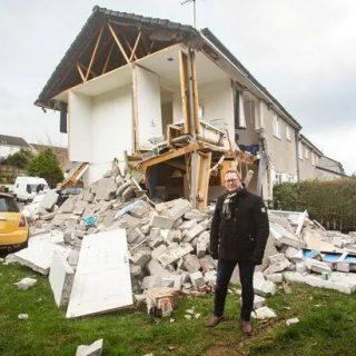 恐怖! 老妈开个烤箱 房子瞬间爆炸 儿子被炸飞 Townhouse变废墟 一夜倾家荡产!