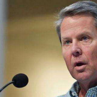 佐州州长与新冠病毒患者接触后进行自行隔离。