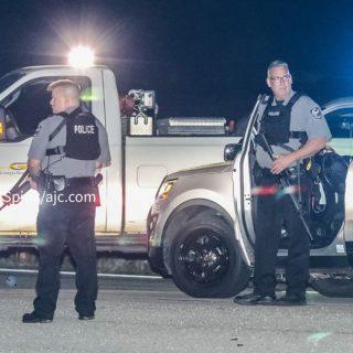 亚城夜间突发枪击案  警方追捕嫌犯 3警员受伤