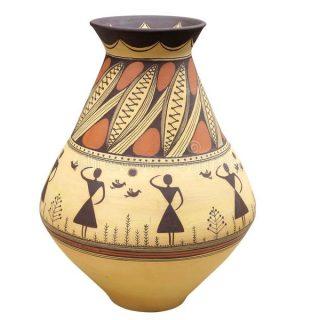 熊孩子打碎古董花瓶,两家华人各执一词,友谊的小船,说翻就翻!