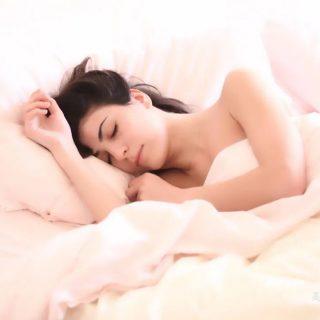 睡觉时4种迹象,可能是脑梗信号!千万别不当回事!