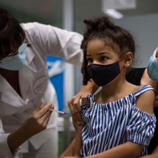 崩了! 一周25万儿童染疫 占美病例25% 1000所学校关门! Mu变种传遍全美!